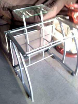 bureau fer verre en l 39 etat d 39 occasion. Black Bedroom Furniture Sets. Home Design Ideas