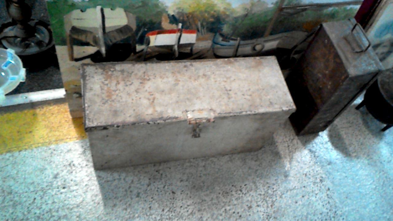 Boite a outils d 39 occasion for Accessoire piscine epinal