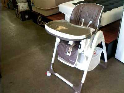 chaise haute aubert beige d 39 occasion. Black Bedroom Furniture Sets. Home Design Ideas