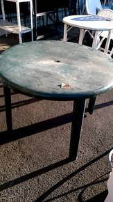 TABLE DE JARDIN PLASTIQUE VERT d\'occasion - Troc.com